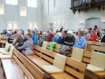 Er werd aandachtig geluisterd vanuit de kerkbanken